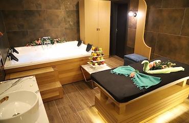 Qua Hotel'de Çiftlere Özel Vip Odada Masaj Keyfi